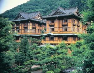 ジョンレノンやチャップリン、孫文、美智子さまなどが泊まったという富士屋ホテル